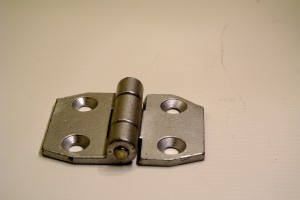 Small hinge